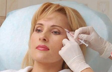 Инъекции ботокса и диспорта используют для омоложения кожи