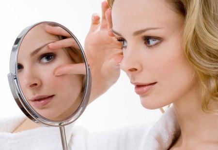 Мезатерапия позволяет заметно разгладить кожу вокруг глаз