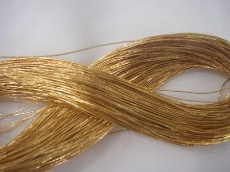 Золотые нити применяемые для лифтинга лица
