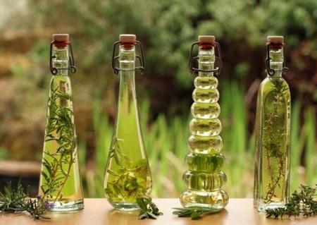 Для лечения рубцов применяют оливковое масло на травах