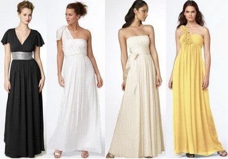 Простая прическа и незамысловатая обувь будут выглядеть величественно в сочетании с греческим платьем