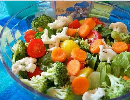 В первые дни на столе должны быть легкие диетические закуски