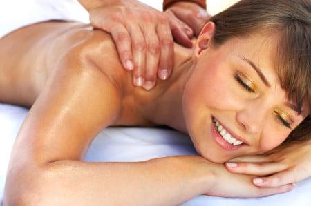 Салоны и клиники предлагают различные виды массажа