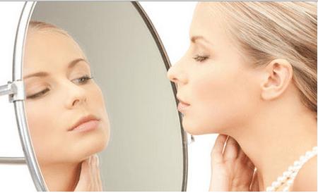 Заметили в зеркале первые морщины? Пора делать массаж!