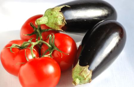 помидоры и баклажаны