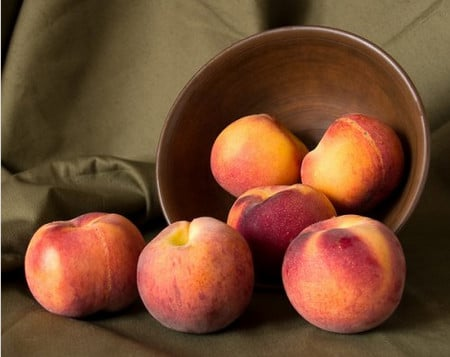 Персик в составе масок для кожи лица, уход за лицом плодами персика