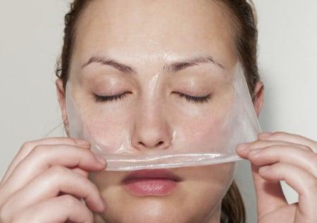 очищает кожу